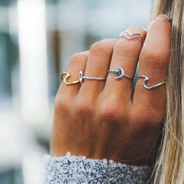dainty-silver-wave-ring