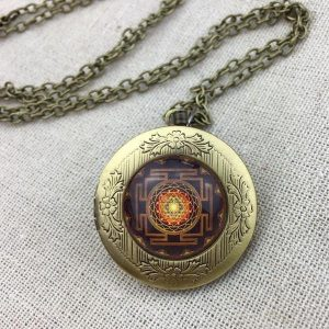 sacred sri yantra locket pendant necklace