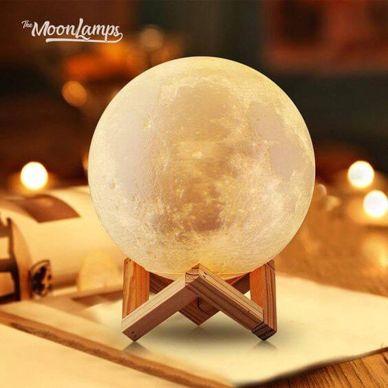 Best Moon Lamp Review - Full Buyer's Guide