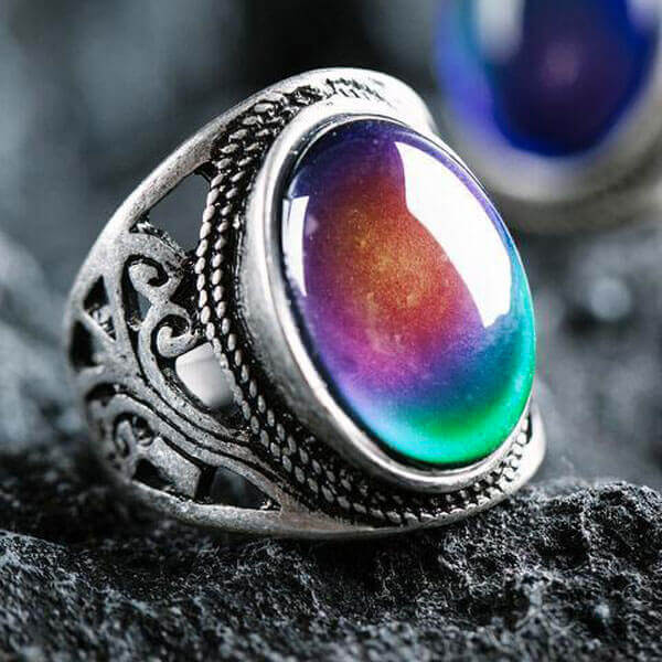 what are mood rings made of