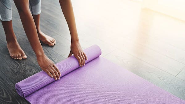 Learn how to clean a Lululemon yoga mat with using environmentally friendly solutions like tea tree oil, witch hazel, vinegar, and other DIY recipes cleansers. While this article also commercial cleaning products too. Whatever you need